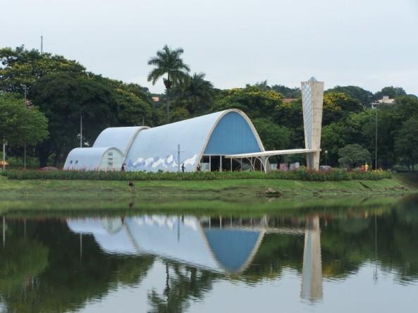 Igreja São Francisco de Assis - Oscar Niemeyer